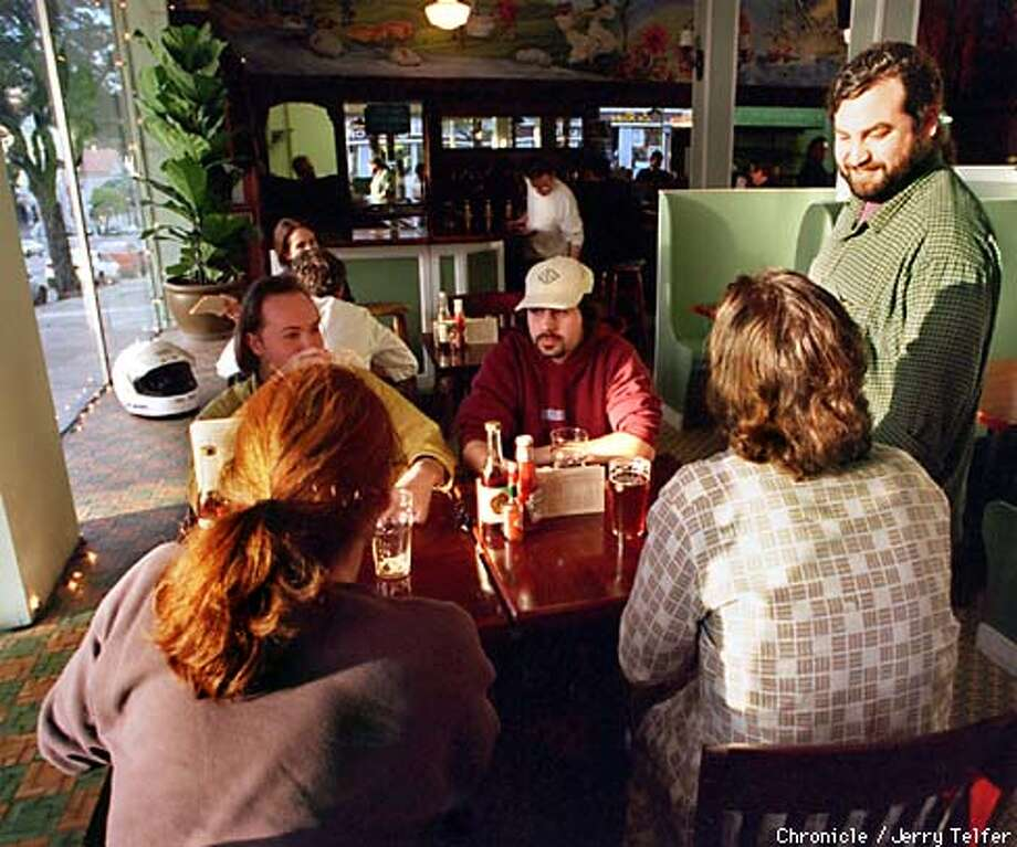 Magnolia Pub and Brewery owner David McLean shmoozes with customers. 1398 Haight Street PHOTO BY JERRY TELFER Photo: JERRY TELFER