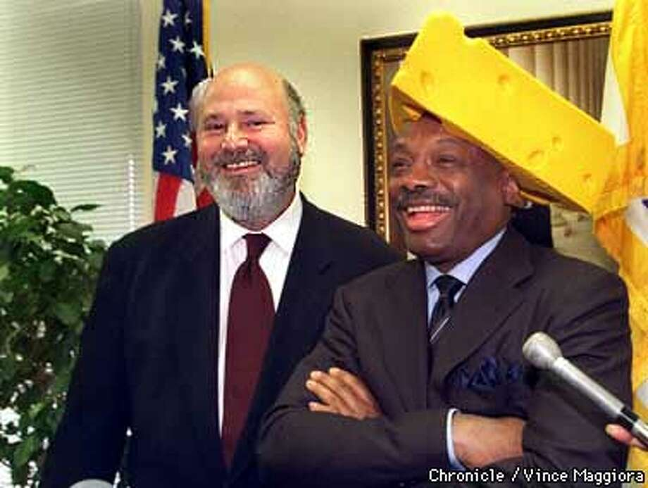 = Rob Reiner hollywood director with cheesehead mayor Willie Brown at a PC at the mayors office SF. by Vince Maggiora Photo: VINCE MAGGIORA