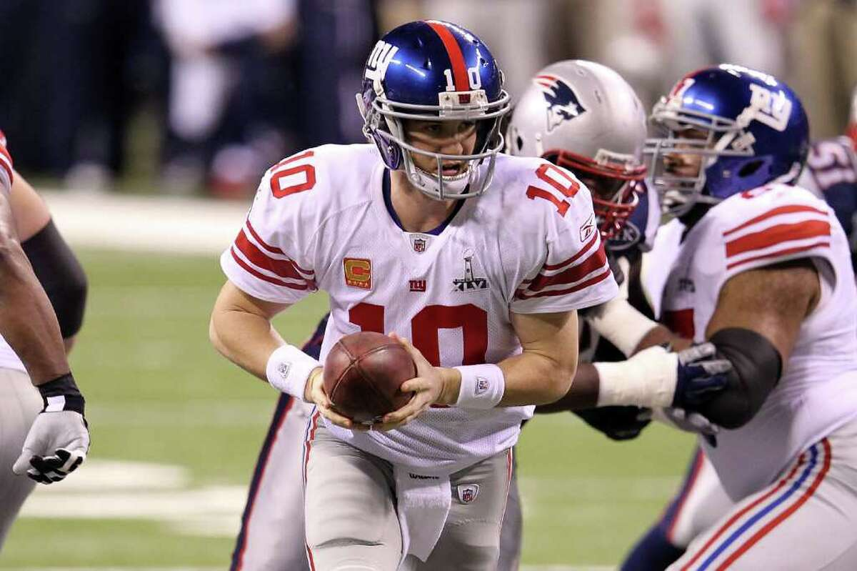 Eli Manning New York Giants 2 - XLII, XLVI Having thrown four interceptions through the first two weeks of the season, Eli Manning is not at the top of his game as his Giants get set to host the Texans on Sunday. But the 11-year veteran has led his team to the NFL mountaintop twice, which puts him in select company. See which other starting quarterbacks have won multiple Super Bowl titles in NFL history.