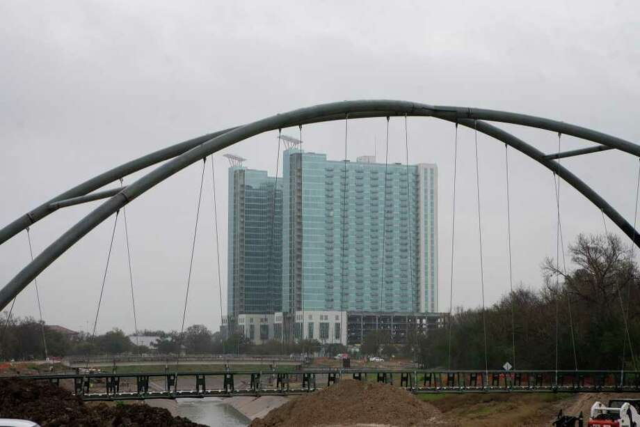 The Hermann Park trail bridge being built over Brays Bayou is expected to be complete sometime in April. Photo: R. Clayton McKee / © R. Clayton McKee
