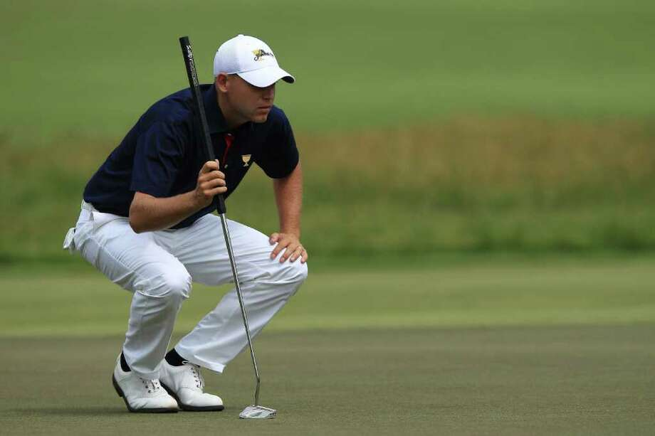 Bill Haas is one of several PGA Tour players who has fared well using a belly putter. Photo: Quinn Rooney, Getty Images / 2011 Getty Images