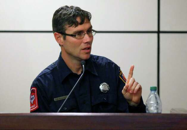 San Antonio Fire Department paramedic William Bullock testifies Tuesday during Jenny Ybarra's intoxication manslaughter trial int he death of Erica Nicole Smith. Photo: William Luther, San Antonio Express-News / © 2012 SAN ANTONIO EXPRESS-NEWS