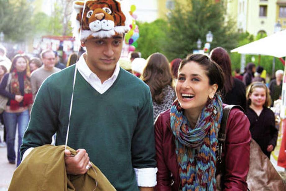 """Imran Khan as Rahul and Kareena Kapoor as Tiara in """"Ek Main Aur Ekk Tu."""""""