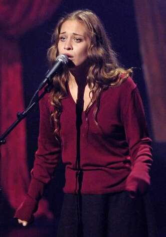 Fiona Apple (thanks minimal) (CHRIS PIZZELLO / REUTERS)