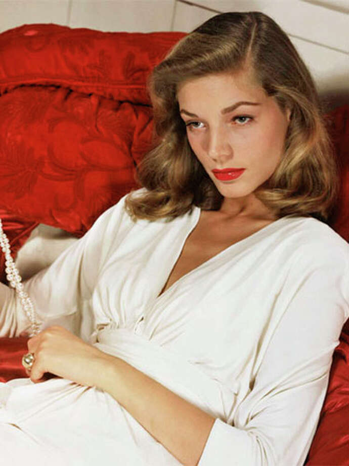 Lauren Bacall in 1945. Photo: Warner Brothers/the Kobal Collection, Magazine / -