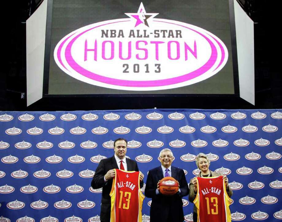 Rockets CEO Tad Brown (left), NBA commissioner David Stern and Houston Mayor Annise Parker welcome the 2013 NBA All-Star Game to Toyota Center on Wednesday. Photo: Michael Paulsen / © 2012 Houston Chronicle