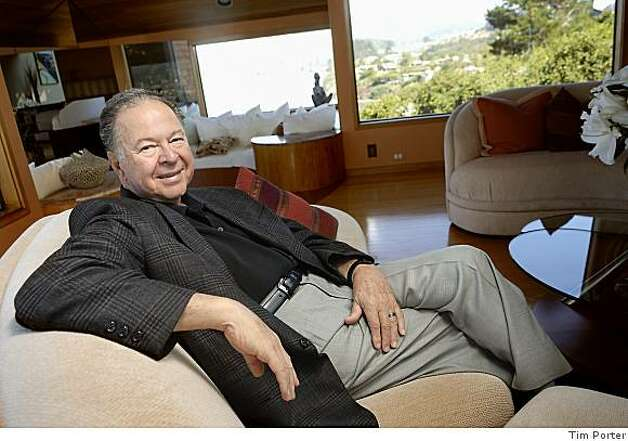 obit photo of Dr. Leonard Shlain?�, a Renaissance man whose final book is about the original Renaissance man, died Monday , May 11, 2009, at his home in Mill Valley?�. He was 71. Family members said the cause was brain cancer. Photo: Tim Porter., Tim Porter