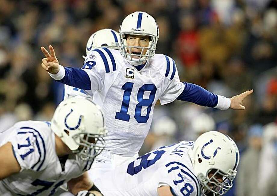 NASHVILLE, TN - DECEMBER 09:  Peyton Manning #18 of the Indianapolis Colts gives instructions to his team during the NFL game against the Tennessee Titans  at LP Field on December 9, 2010 in Nashville, Tennessee. Photo: Andy Lyons, Getty Images