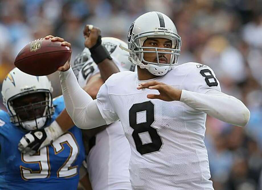 SAN DIEGO - DECEMBER 05:  Quarterback Jason Campbell #8 the Oakland Raiders drops back to pass against the San Diego Chargers during the second quarter at Qualcomm Stadium on December 5, 2010 in San Diego, California. The Raiders defeated the Chargers 28-13. Photo: Jeff Gross, Getty Images