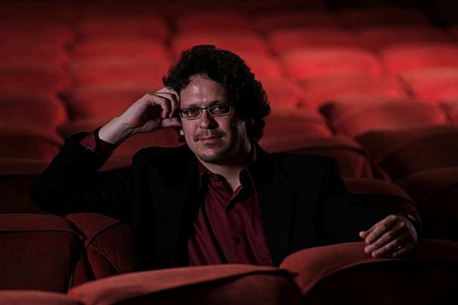 Conductor Donato Cabrera Photo: John Lee