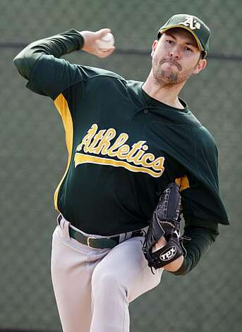 Oakland Athletics pitcher Justin Duchscherer workout in the bullpen during Spring Training workouts at the Papago Baseball Facility Sunday February 15, 2009 in Phoenix Arizona Photo: Lance Iversen, The Chronicle