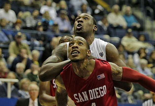 California Golden Bears Markhuri Sanders-Frison waits for rebound with San Diego State Aztecs Malcom Thomas,  Wednesday Dec. 8, 2010, in Berkeley, Calif. Photo: Lacy Atkins, The Chronicle