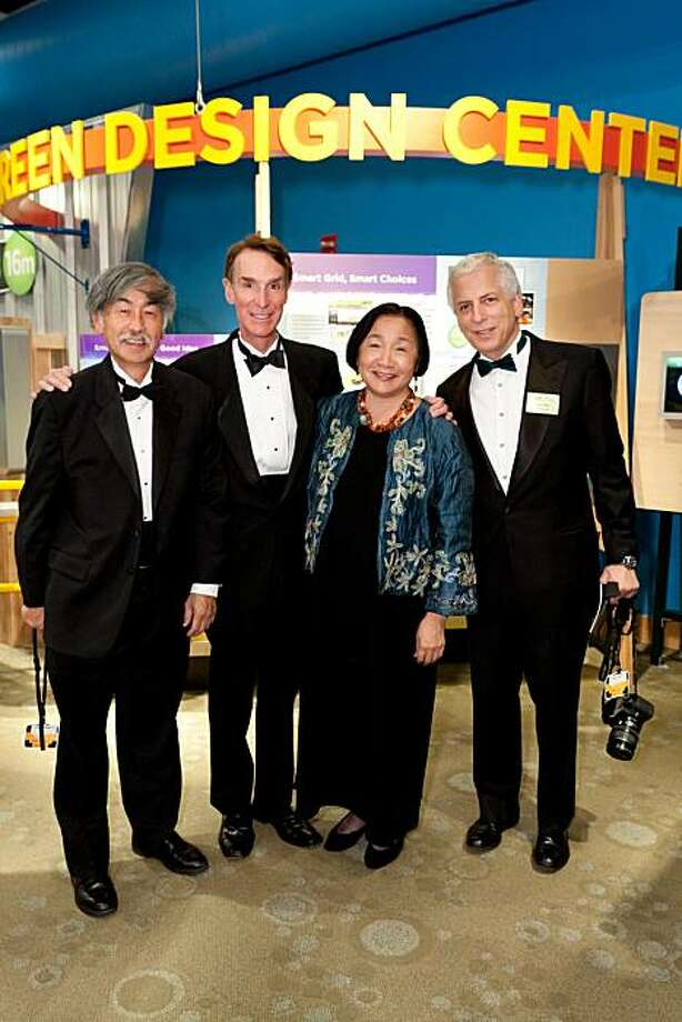 cq'd: Floyd Huen, Bill Nye, Oakland Mayor Jean Quan and Dan Miller at the Global Cool Gala celebrating the opening of Bill Nye's Climate Lab on Nov. 13 at the Chabot Space & Science Center in Oakland. Photo: Claudine Gossett, Drew Altizer Photography