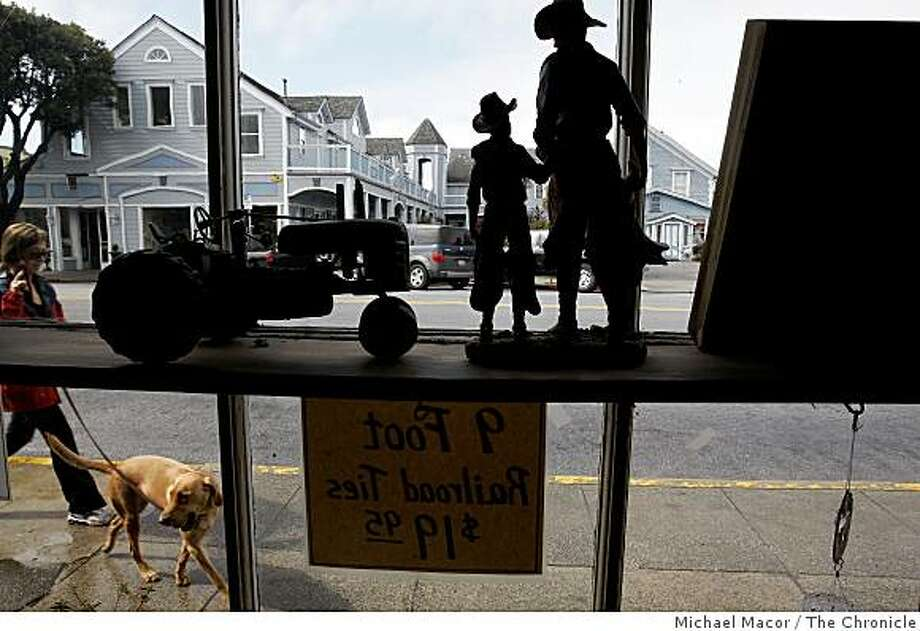 Looking out the front window of the Half Moon Bay Feed and Fuel store on Main Street in Half Moon Bay, Calif., on Tuesday Mar. 3, 2009. The City plans to use the Federal Stimulus money it will receive to resurface 5 blocks of it's Main Street that runs through the center of town. Photo: Michael Macor, The Chronicle