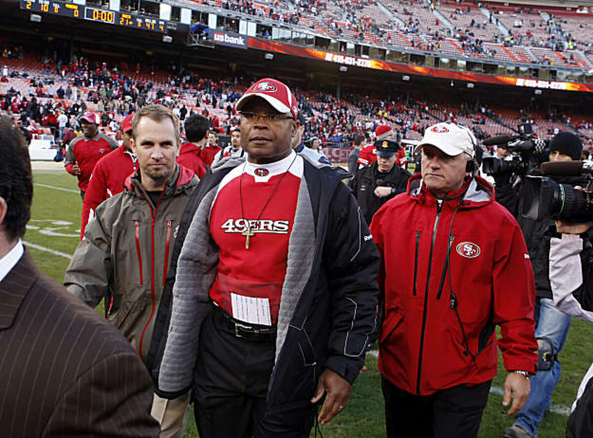 Mike Singletary walks off the field after the 49ers were shut out at home for the first time since 1977 in their game against the Tampa Bay Buccaneers on Sunday.