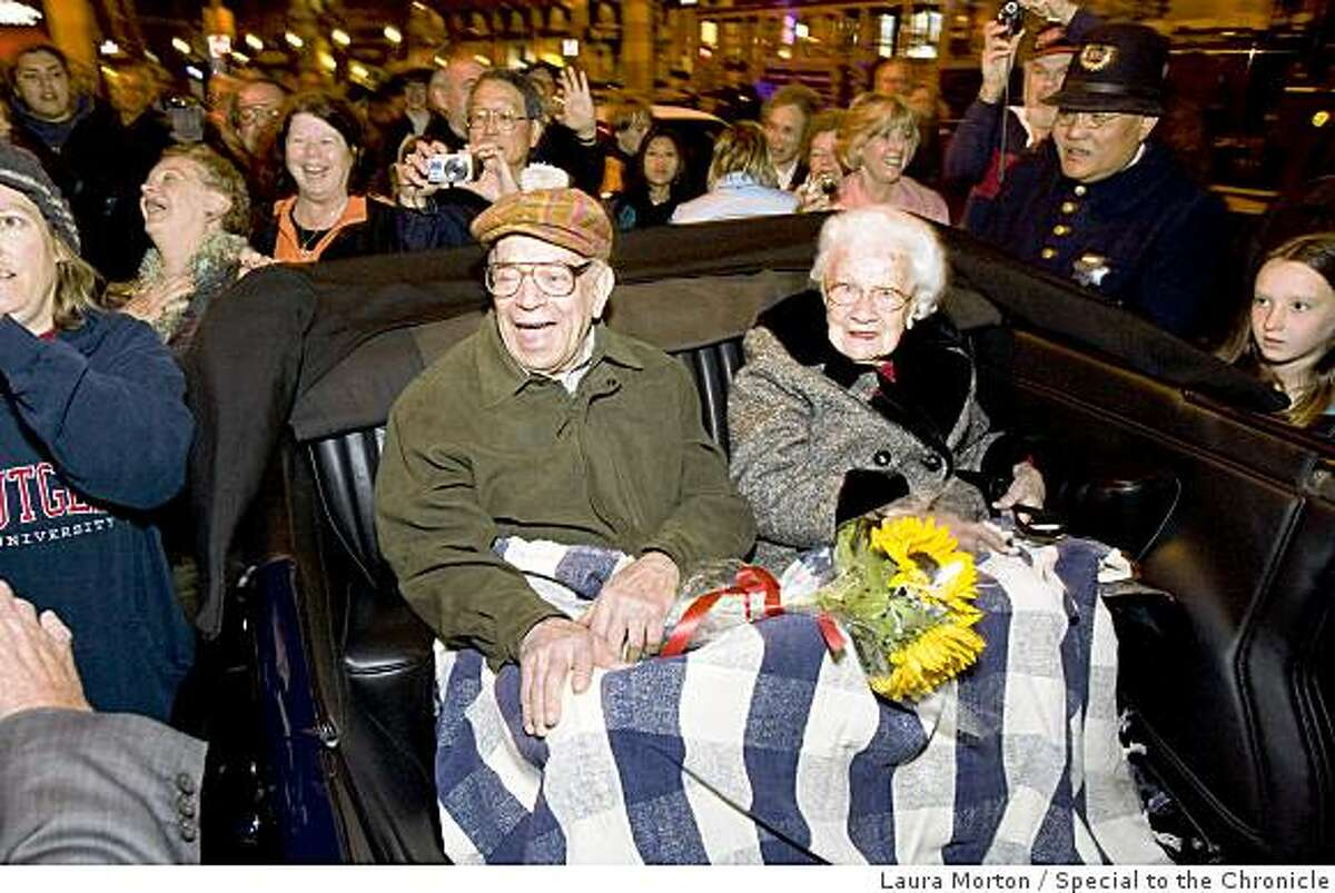 Survivors of the 1906 earthquake William Del Monte, age 103, and Rose Cliver, age 106, are welcomed at the ceremony for the anniversary of the earthquake at Lotta's Fountain at Market and Kearny streets in San Francisco, Calif., on Saturday, April 18, 2009.