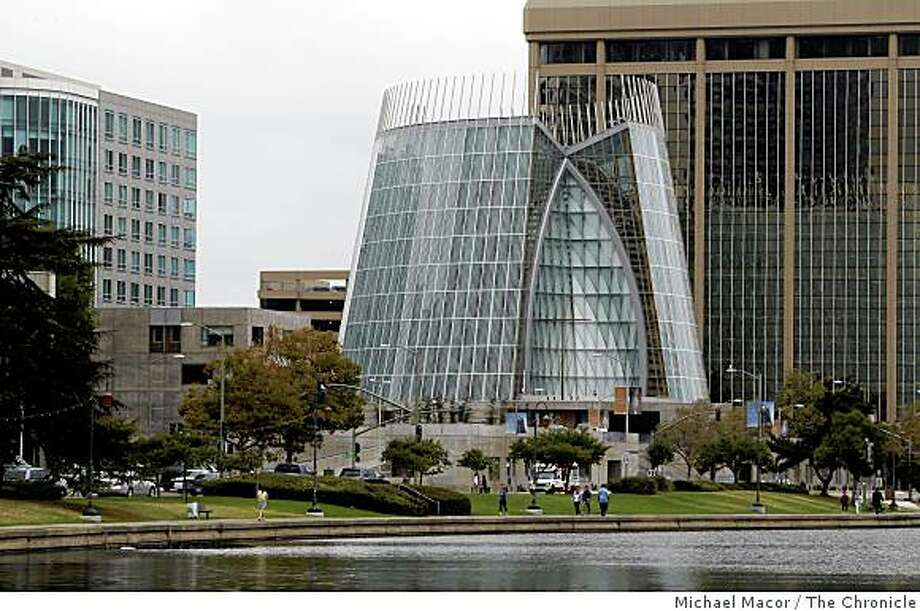 The Cathedral of Christ the light  near the corner of Harrison St. and Grand Ave., on the shore of Lake Merritt,  in downtown Oakland, Calif., on Sept. 9, 2008. Photo: Michael Macor, The Chronicle