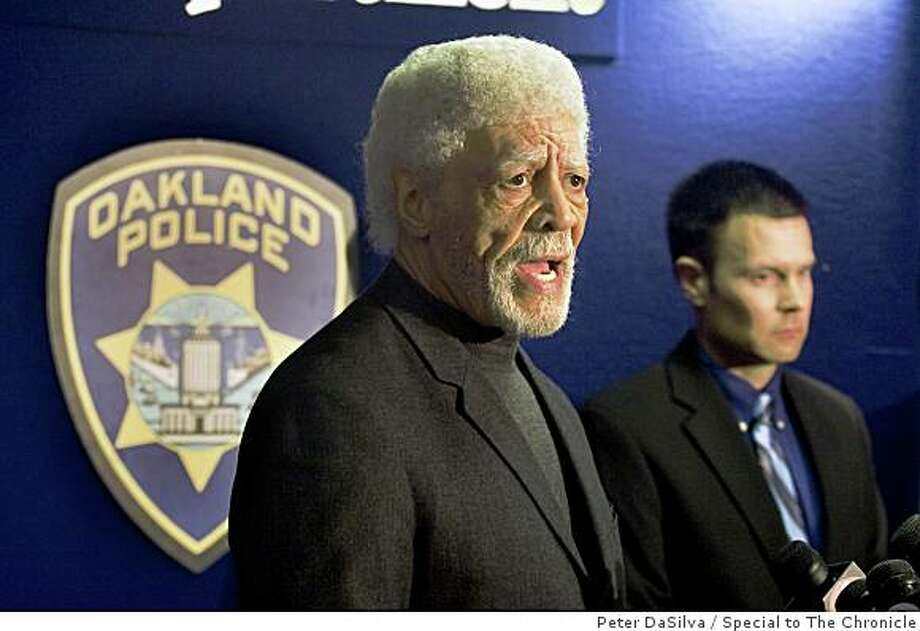 Oakland Mayor Ron Dellums addresses the media on the three Oakland police officers that were killed and another that was critically injured after a traffic stop followed by a separate shootout with the single suspect in San Francisco, California on Mar. 21, 2009.The suspect was also shot and killed by police. Photo: Peter DaSilva, Special To The Chronicle