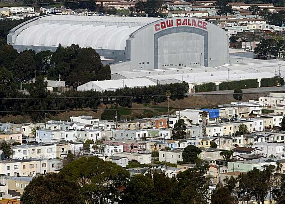 A neighborhood of single-familly homes are seen next to the Cow Palace in Daly City, Calif., on Wednesday, Feb. 27, 2008. State senator Leland Yee is proposing that the state of California, which owns the property, should sell it to the city of Daly City which in turn would raze the historic structure and build a shopping center and residential units. Photo by Paul Chinn / San Francisco Chronicle Photo: Paul Chinn, SFC