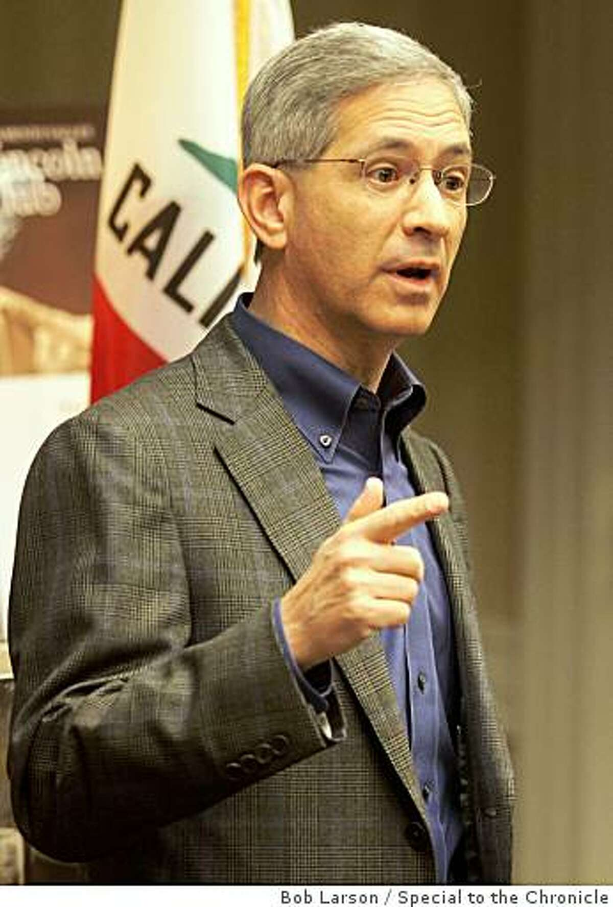 California Insurance Commissioner and Gubernatorial Candidate Steve Poizner speaks to a large crowd during the Lincoln Club breakfast during the California Republican Party Convention in Sacramento Calif., Saturday, February 21, 2009. (Special to the Chronicle/Bob Larson)