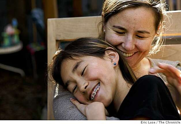 Annie Leonard and her daughter Dewi Zarni,9, at home in Berkeley photographed on Friday, March 20, 2009. Photo: Eric Luse, The Chronicle