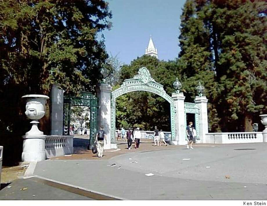 The eight bas relief marble panels gracing the north and south sides of Sather Gate at Uc Berekeley disappeared between 1910 and 1977 as community attitudes toward nudes changed. They were reinstalled (females facing south, males facing north) in 1979. Photo: Ken Stein