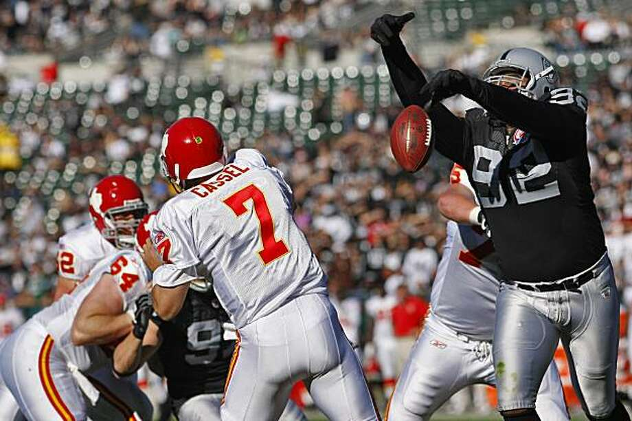 Oakland Raiders Richard Seymour blocks Kansas City Chiefs  quarterback Matt Cassel pass in the first half of the game, Sunday Nov. 15, 2009, in Oakland, Calif. Photo: Lacy Atkins, The Chronicle