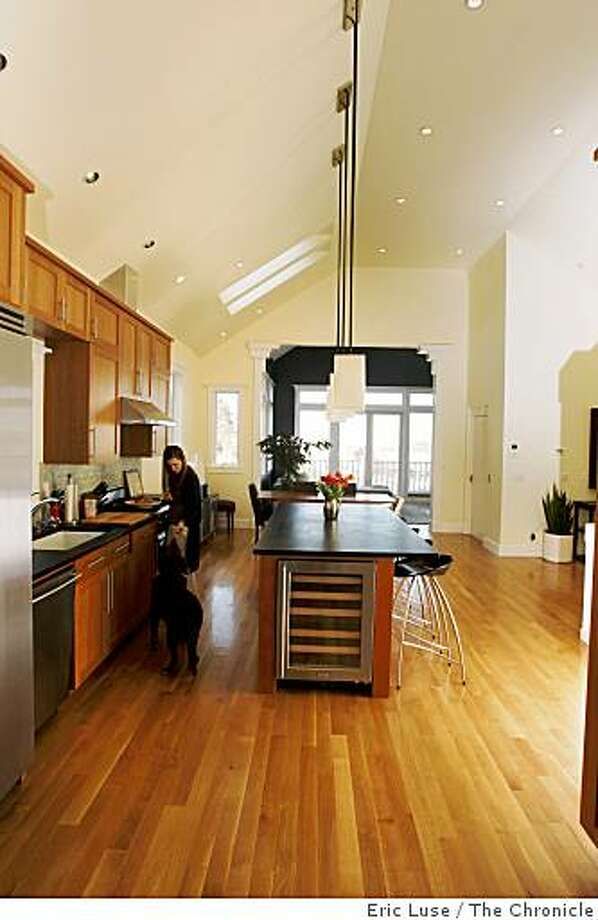 Family room and kitchen of the Maoz-Stoia San Francisco home photographed on Friday, March 13, 2009. Photo: Eric Luse, The Chronicle