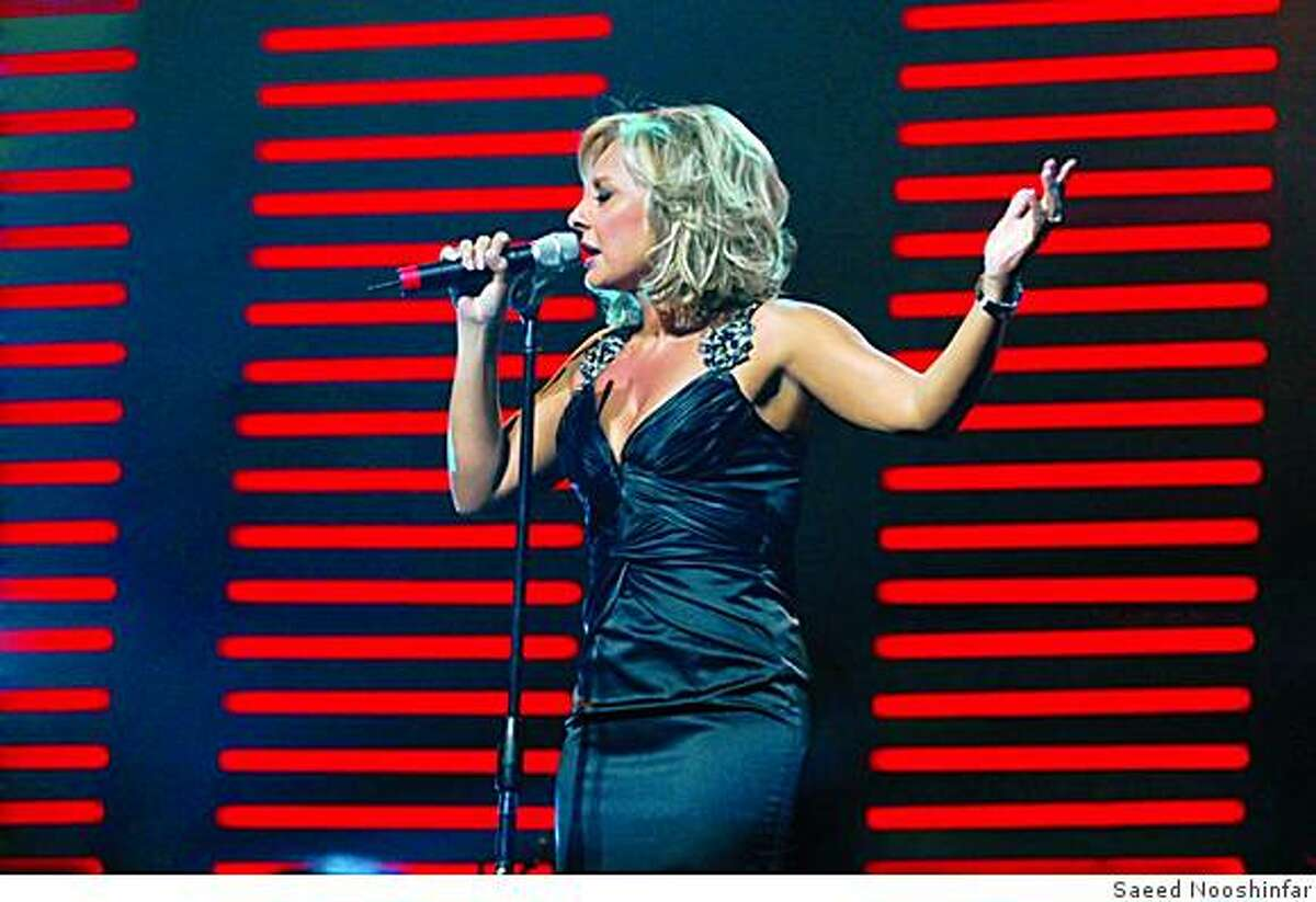 Singer Googoosh in performance at the Kodak Theater in 2006