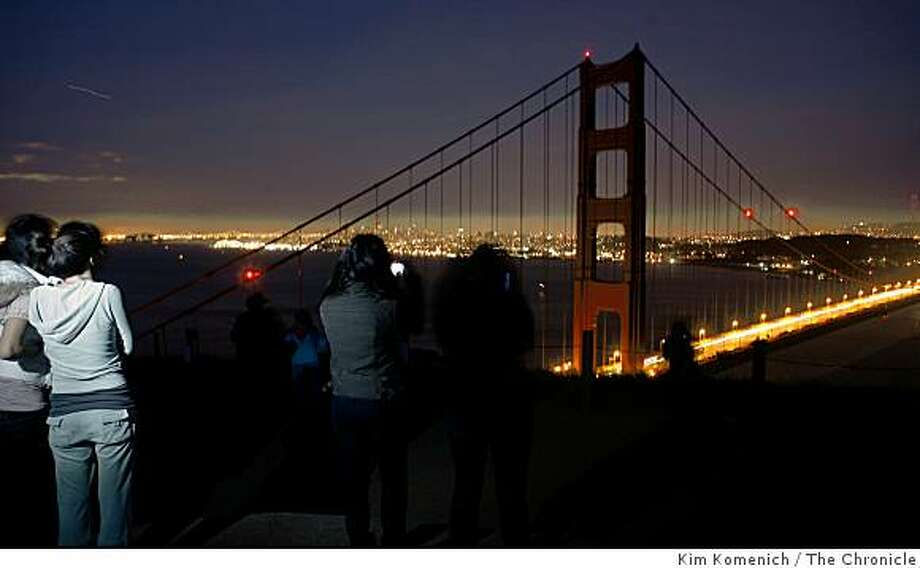The lights on the towers of the Golden Gate Bridge were turned off on Saturday night March 29, 2008  in voluntary observance of Earth Hour. Residents and businesses were urged to cut the lights to call attention to overconsumption of energy worldwidePhoto by Kim Komenich / San Francisco Chronicle Photo: Kim Komenich, The Chronicle