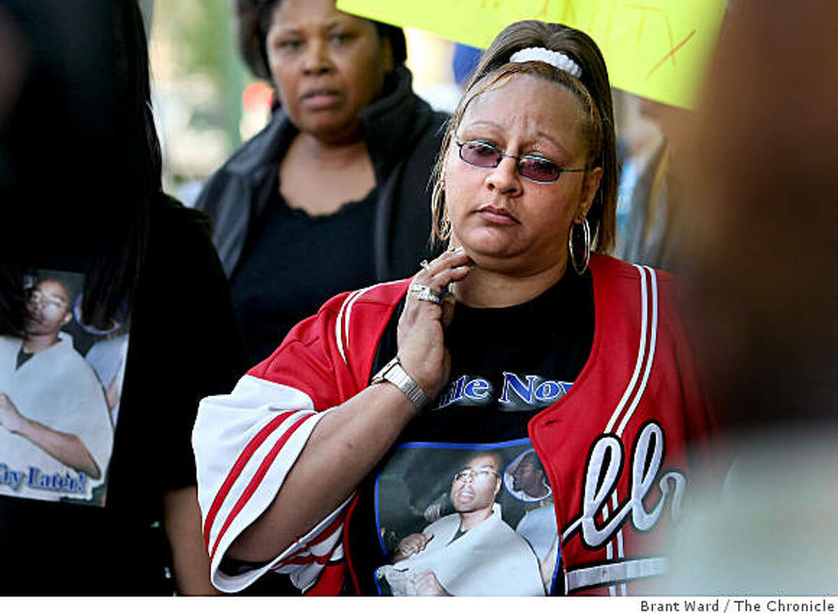 Athena (no last name given), Mixon's mother, marched with about 60 people in support of her son. The International People's Democratic Uhuru Movement held a march and rally in support of Lovelle Mixon, who is accused of killing four Oakland police officers.