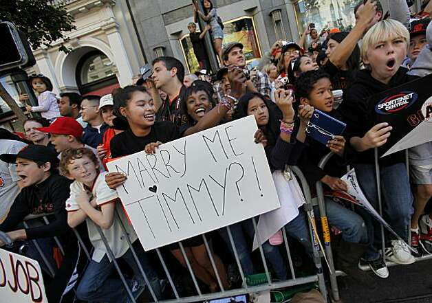 The crowd had personal notes for their favorite players Wednesday November 3, 2010. Thousands of San Francisco Giant fans attended a parade in downtown San Francisco, Calif. celebrating the teams World Series victory. Photo: Brant Ward, The Chronicle