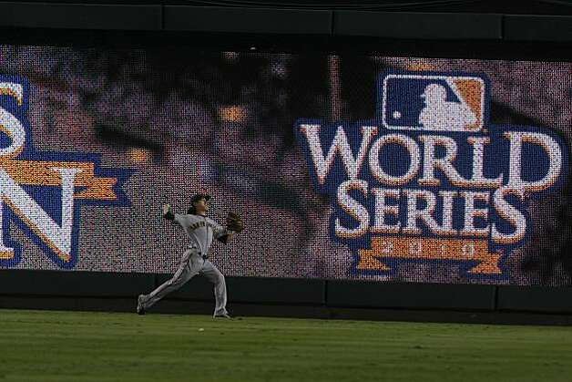 San Francisco Giants starting pitcher Tim Lincecum warms up prior to Game 5 of the World Series against the Texas Rangers on Monday. Photo: Lance Iversen, San Francisco Chronicle