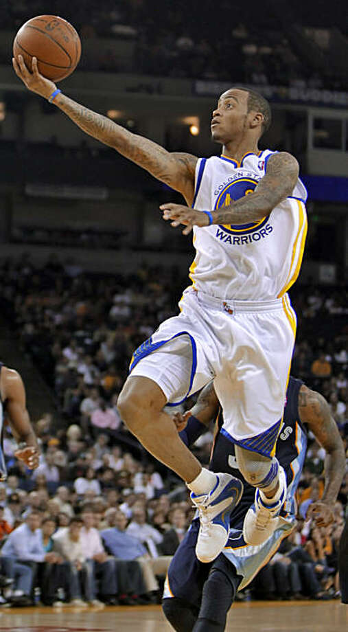 The Golden State Warriors Monta Ellis drives the ball down the court and makes a basket in the fourth quarter against the Memphis Grizzlies at the Oracle Coliseum, Wednesday Nov. 3,2010, in Oakland, Calif. Photo: Lacy Atkins, The Chronicle