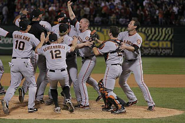 Aubrey Huff celebrates with the team as the San Francisco Giants take Game 5 to win the World Series over the Texas Rangers on Monday. Photo: Michael Macor, San Francisco Chronicle