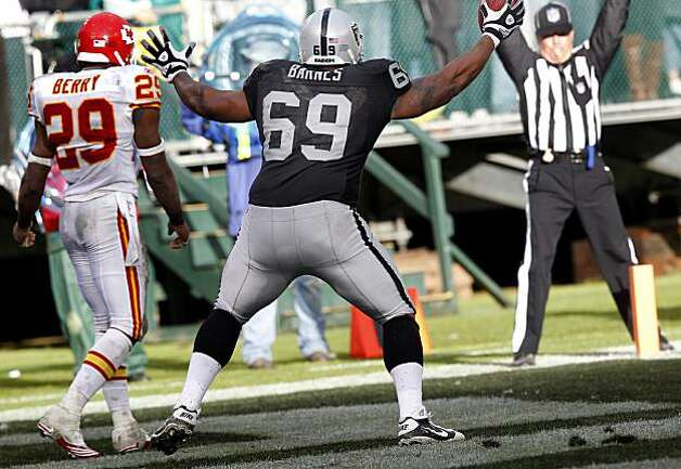 Khalif Barnes celebrates his second half touchdown against the Kansas City Chiefs in Oakland on Sunday. Photo: Brant Ward, The Chronicle