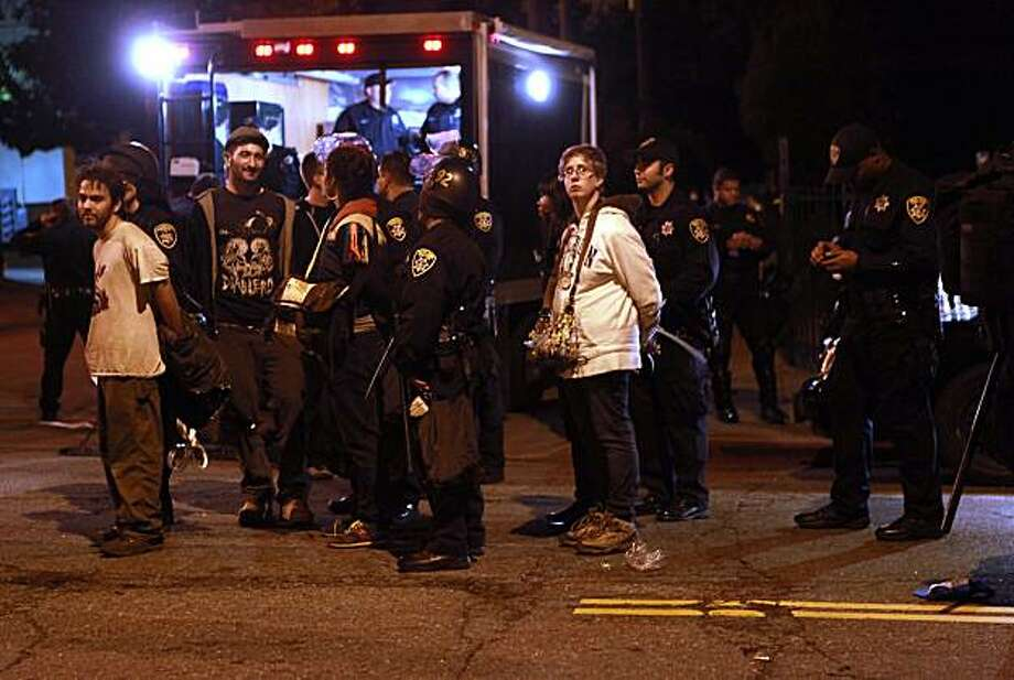About a hundred protesters of the Mehserle sentence were arrested on E. 18th St.at 6th Ave. in Oakland, Calif., on Friday, November 5, 2010. Photo: Liz Hafalia, The Chronicle