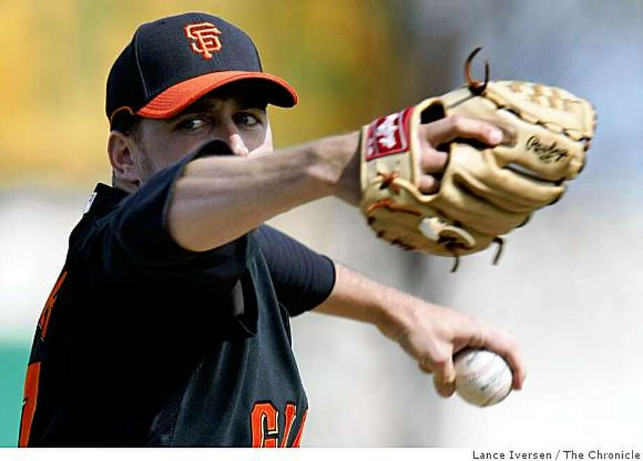 San Francisco Giants pitcher Jack Taschner delivers a fastball during Spring Training batting practice at Scottsdale Stadium Saturday February 21, 2009 in Scottsdale. Photo: Lance Iversen, The Chronicle
