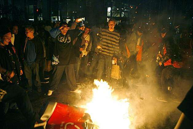 Crowds create fires on King St. between 3rd and 4th Streets in San Francisco, Calif. after watching the San Francisco Giants win the 2010 World Series in Texas on Monday, Nov, 1, 2010. Photo: Kirsten Aguilar, The Chronicle