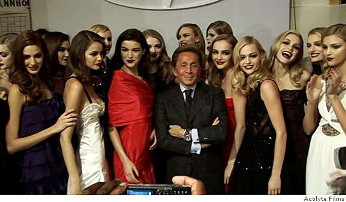 Valentino Garavani meets the press during his farewell festivities in 2007.