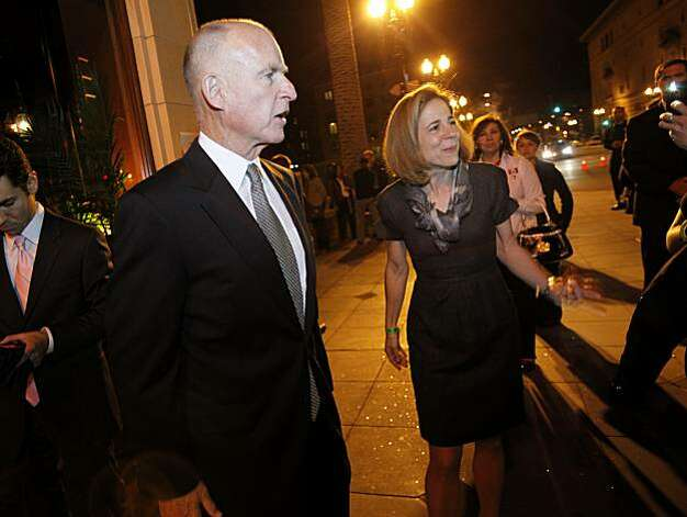 Jerry Brown and wife Anne Gust talked to supporters on Telegraph Avenue. Former California Governor and now gubernatorial candidate Jerry Brown arrived at the Fox Theatre in Oakland, Calif. after the polls closed in California. Photo: Brant Ward, The Chronicle