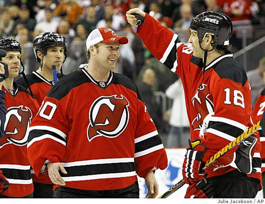 With A Late Shot Saved Brodeur Becomes No 1 Sfgate