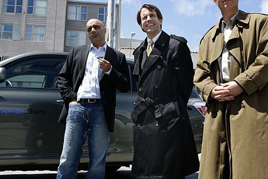 Assembymember Dave Jones (middle, D-Sacramento) was joined by Spride CEO Sunil Paul (left) and City CarShare CEO Rick Hutchison (right) to announce legislation allowing individual car owners to participate in vehicle sharing fleets in San Francisco, Calif., on Wednesday, April 28, 2010. Photo: Liz Hafalia, The Chronicle