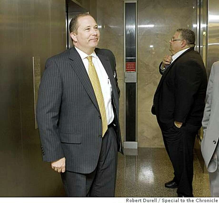 Assembly minority leader Mike Villines (R-Clovis) leaves his office near the Assembly chamber in Sacramento, California, on Monday, September 15, 2008 more than an hour before the expected vote on the state budget. The state budget is more than two months overdue. Photo: Robert Durell, Special To The Chronicle