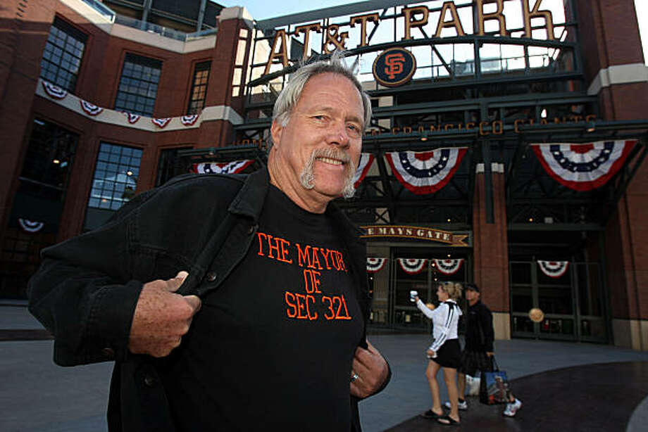 Mike Denton, mayor of Section 321, in front of AT&T ballpark in San Francisco, Calif., on Tuesday, October 26, 2010. Photo: Liz Hafalia, The Chronicle