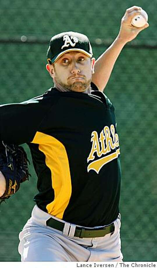 Oakland Athletics pitcher Dallas Braden works in the bullpen at Papago Baseball Complex Thursday February 19, 2009 in Phoenix Arizona Photo: Lance Iversen, The Chronicle