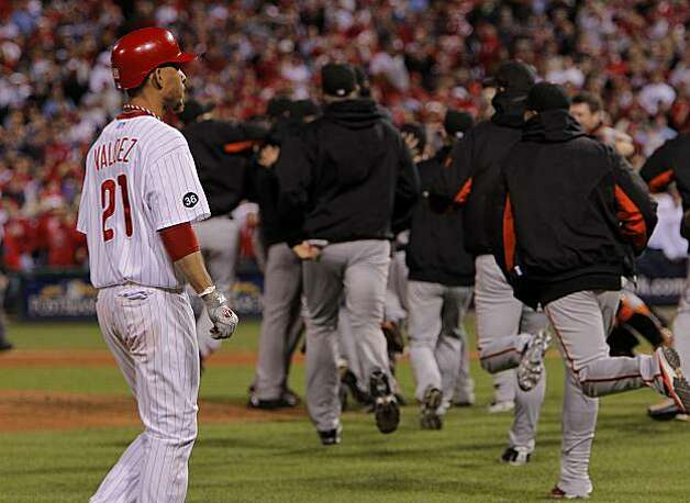 The Phillies' Wilson Valdez was stranded on base as the Giants closed out the ninth inning for the win in Game 6 of the NLCS on Saturday at Citizens Bank Park in Philadelphia. Photo: Michael Macor, The Chronicle