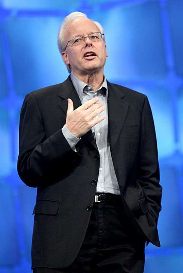 FILE - In this Nov. 17, 2009 file photo, Microsoft Chief Technology Officer Ray Ozzie speaks at the company's Professional Developers Conference in Los Angeles. In an e-mail sent to Microsoft Corp. employees Monday, Oct. 18, 2010, CEO Steve Ballmer announced that Ozzie, Bill Gates' successor as Microsoft's Chief Software Architect, is leaving the company. Photo: Nick Ut, AP