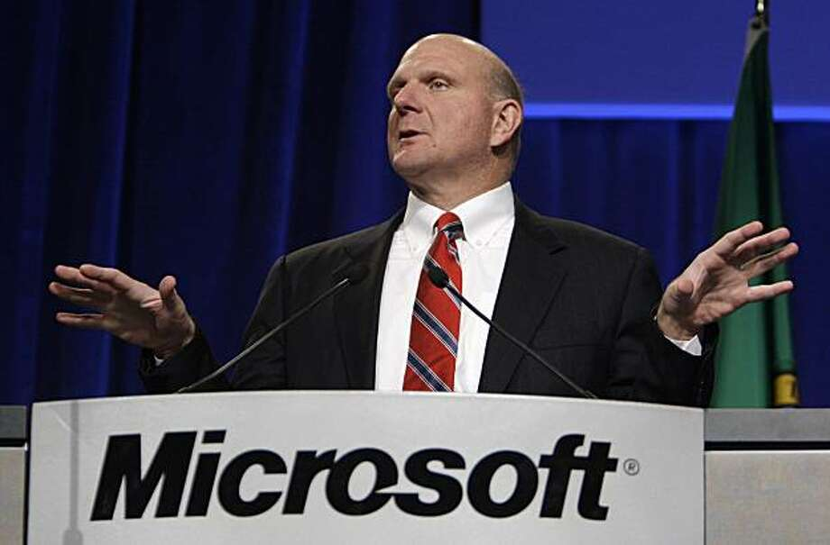 """Microsoft CEO Steve Ballmer addresses the annual Microsoft shareholder's meeting Wednesday, Nov. 19, 2008, in Bellevue, Wash. Microsoft Corp. is no longer interested in buying all of Yahoo Inc., Ballmer said Wednesday, though he told shareholders that the company would still be """"very open"""" to a collaboration on Internet search. (AP Photo/Elaine Thompson) Photo: Elaine Thompson, AP"""