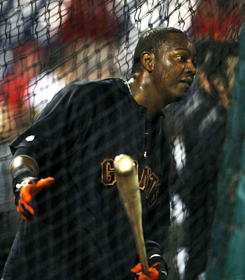 The Giants' Edgar Renteria takes batting practice prior to Game 2 of the NLCS against the Phillies on Sunday at Citizens Bank Park in Philadelphia. Photo: Lance Iversen, The Chronicle
